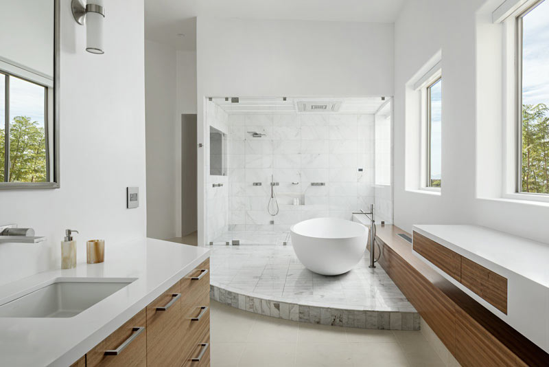 Baignoire autoportante pour salle de bain design