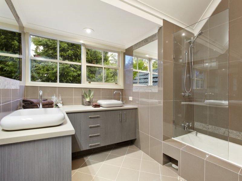 Fenetres et mobilier pour salle de bain design
