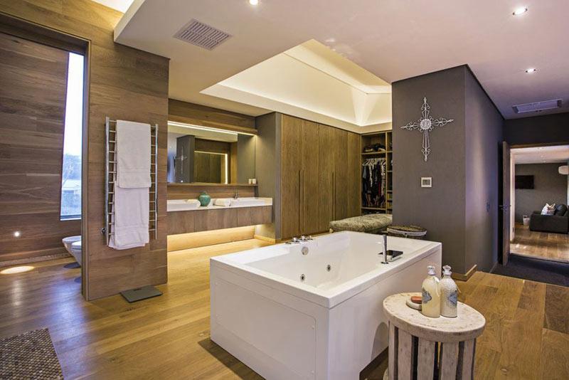 Salle de bain design ouverte