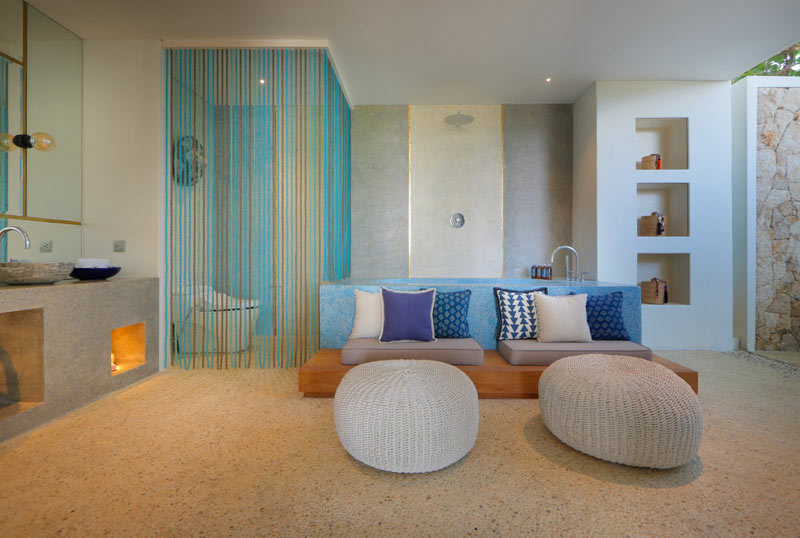 Tons bleus et blancs pour salle de bain design