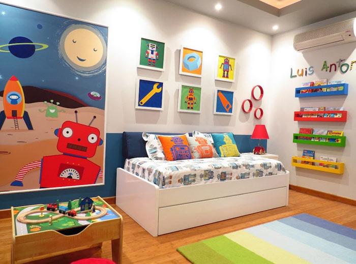 Chambre enfant accessoirisée et en couleurs