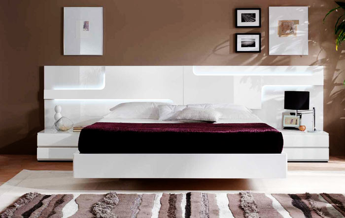 Table de chevet integree au lit