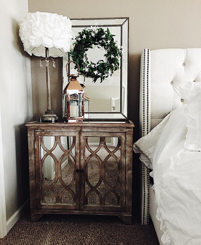Table de chevet rustique et romantique