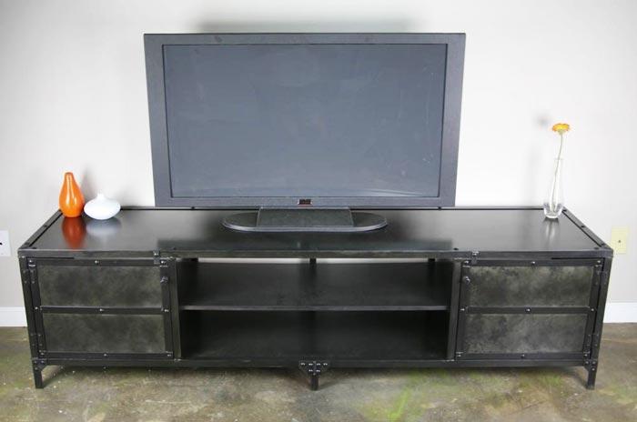 Métal noir pour ce meuble tv industriel